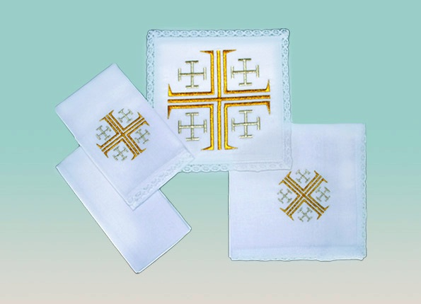 Jerusalem Cross Linen Set