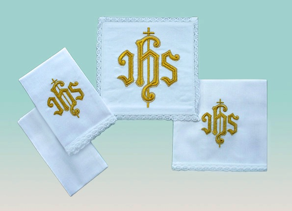 Traditional IHS Linen Set